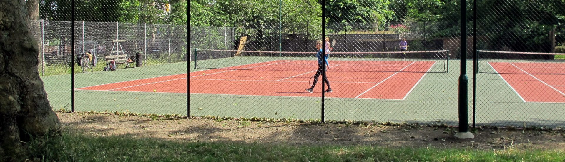Tennis on Highbury Fields